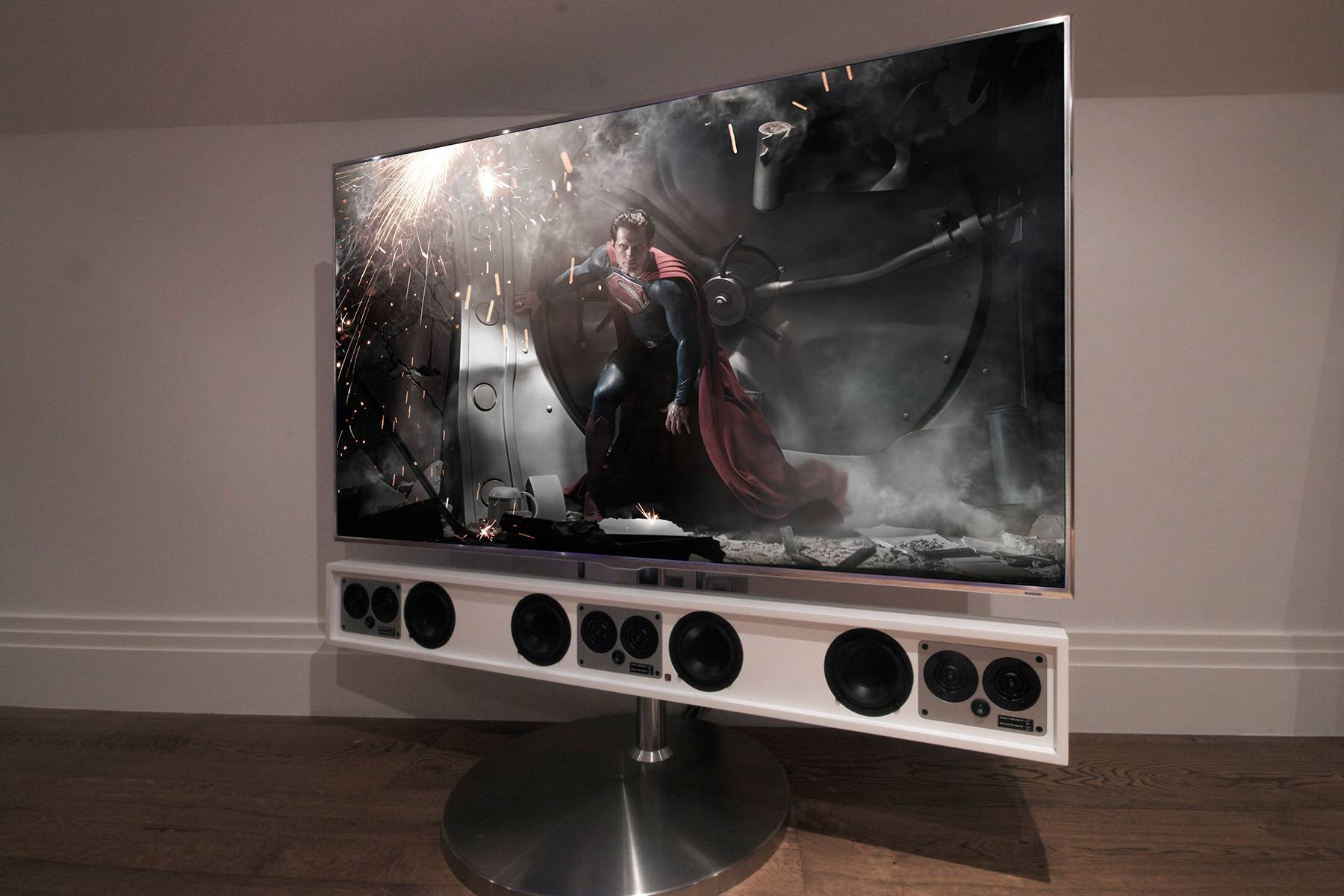 Q Smartdesign - Cinema - Audio - Lighting - Security